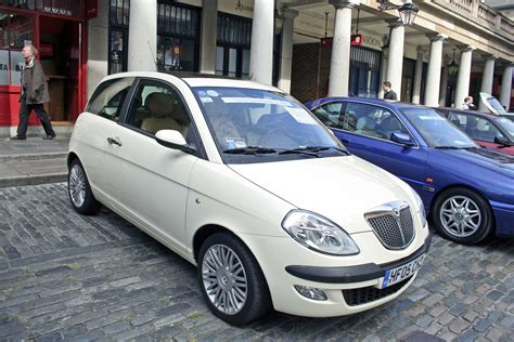 lancia ypsilon 4 porte file lancia ypsilon in uk jpg wikimedia commons