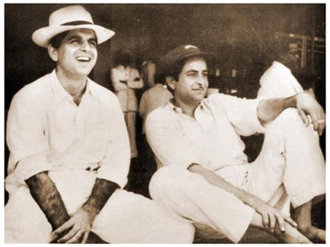 actor cricket game raj kapoor vs dilip kumar cricket match rare video