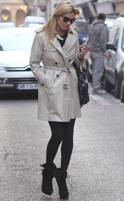 chagne supernovas kate moss 147113699x tv showbiz pictures daily mail online