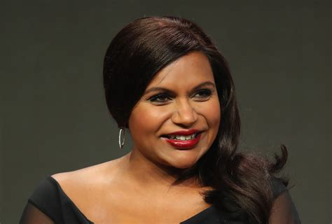 mindy kaling now mindy kaling officially confirms she s pregnant watch