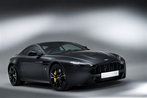 aston martin vantage v12 feel the power of the aston martin v12 vantage hwm aston