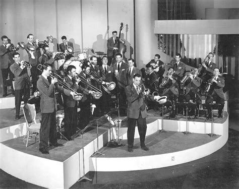 big band swing hits glenn miller orchestra