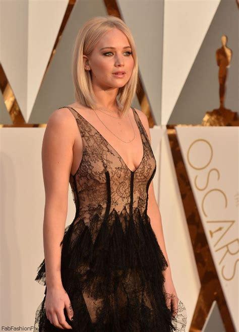 film oscar jennifer lawrence red carpet at academy awards oscars 2016 fab fashion fix
