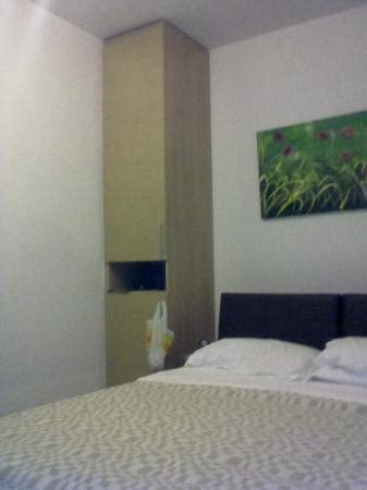 colonna armadio colonna armadio con frigo foto di corte salento