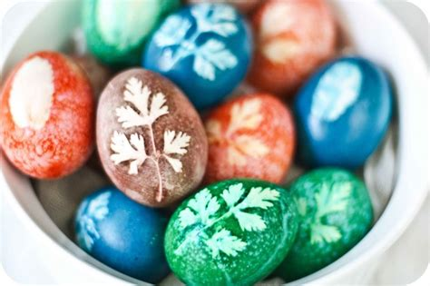 decorating easter eggs with food coloring 70 easter egg decorating ideas for 2017