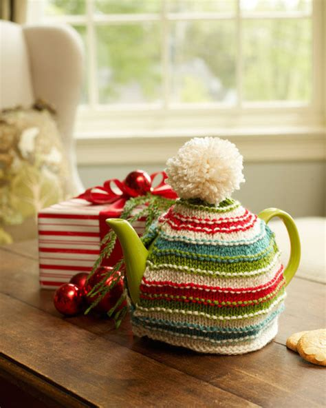 christmas knitted cozy warm memories tea cozy allfreeknitting