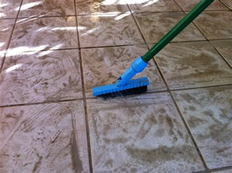 How To Mop Tile Floor by Cleaning Ceramic Tile Floor How To Clean Ceramic Tile