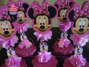 centerpieces for minnie mouse veryberry cupcakes minnie mouse centerpieces