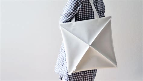 Bag Origami - a clever shape shifting bag inspired by origami co design