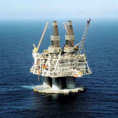 biggest drillships in the world oil rig photos hibernia platform