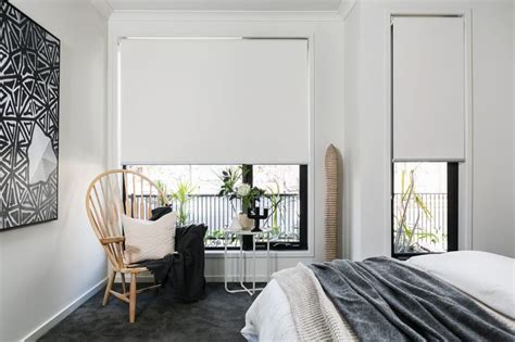 Simple Bedroom Window Treatments 25 Best Ideas About Roller Blinds On Roller