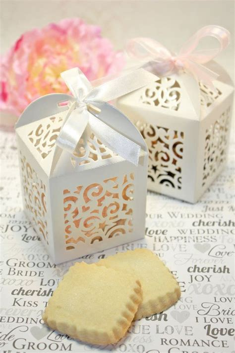 Wedding Favor Idea Sted Shortbread Cookies the 25 best favor boxes ideas on wedding