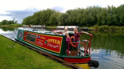 canal boat gangplank kingfisher picture of gloucester narrowboats gloucester