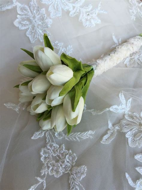 Wedding Bouquet Tulips by Best 25 White Tulip Bouquet Ideas On Tulip
