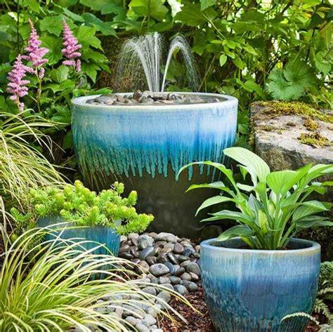 Decoration De Bassin Exterieur by Faire Un Bassin Aquatique Pour D 233 Corer Jardin Ou Sa