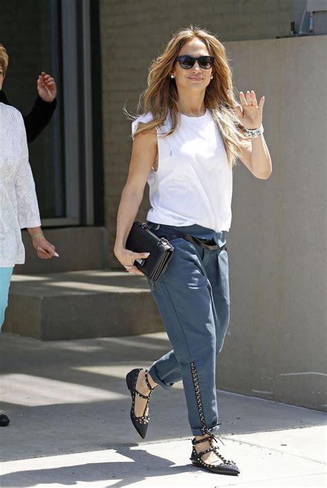 jennifer lopez women outfit ideas in pinterest jennifer lopez casual style leaving her apartment in new