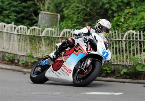 bad idea racing an 8 trizzle s take why creating an isle of tt series is