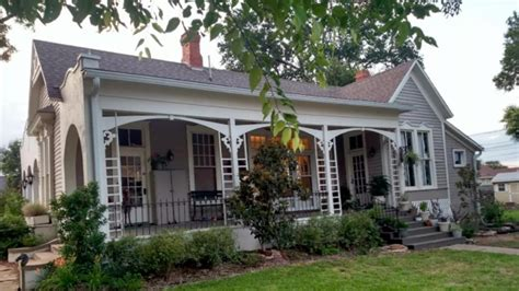fixer upper houses becoming popular vacation rentals fixer upper couple to clients please stop renting out