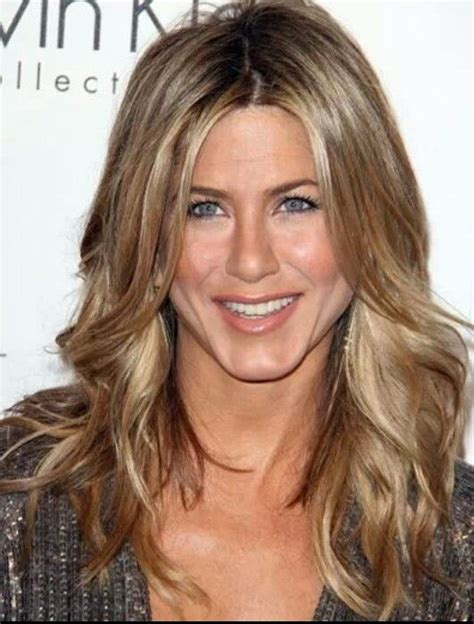 jennifer aniston natural hair color beige blonde sandy blonde hair color jennifer aniston