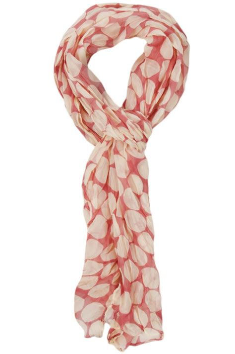 4 ways to wear a scarf with a v neck