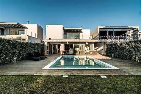 a beach house in portugal goes modern design milk modern luxury house with pool in portugal by dunaplana