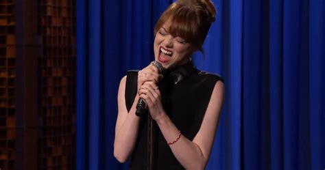 Emma Stone Voice Singing | 7 things about emma stone that will make you love her even
