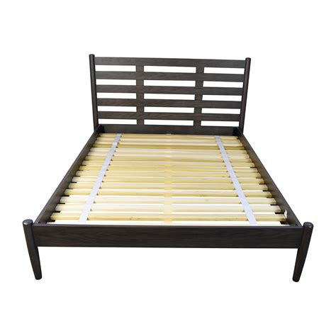 used queen bed frame 43 off crate and barrel crate barrel barnes queen bed