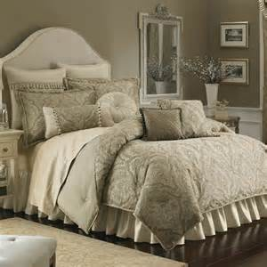 Bedding Outlet Stores Closeout Croscill Comforter Sets