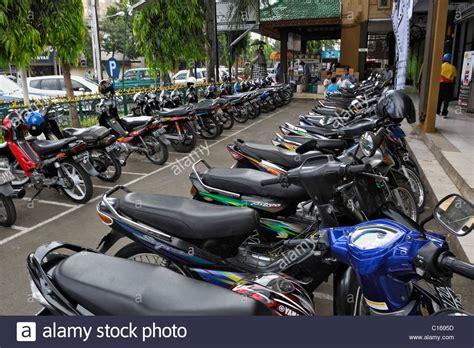 Motorrad Bali Mieten by Balinesisch Stockfotos Balinesisch Bilder Alamy