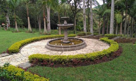 como hacer una fuente de jardin como hacer una fuente de piedra ideas modelos agua para