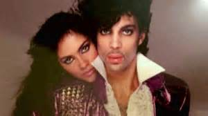 prince dedicates piano a microphone tour opener to vanity