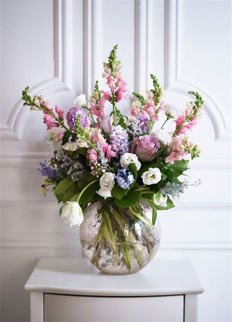 Bouquet De Fleurs Dans Un Vase by Tendances D 233 Co Fleurs Printani 232 Res Sur L Appui De La Fen 234 Tre