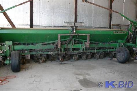 kan do auctions alexandria great plains planter 77 k bid