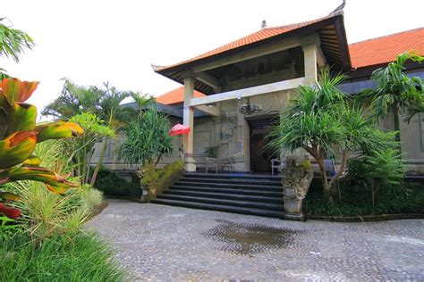 Kain Pantai Khas Bali By Aga Bali museum puri lukisan pelestari khazanah seni lukis bali