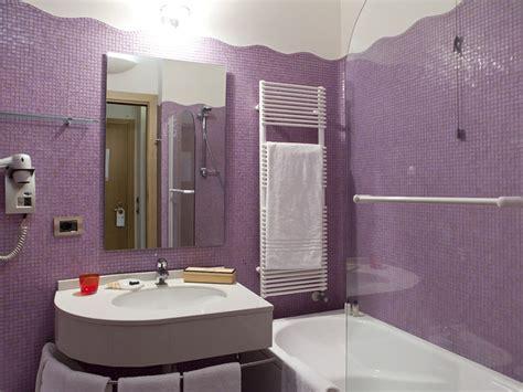 piastrelle bagno viola piastrelle bagno fucsia minimis co