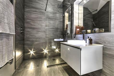 banheiro de luxo decorado banheira preto etc 89