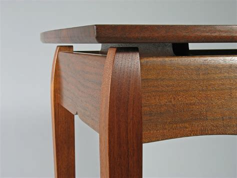 designing  floating top table