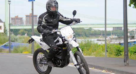 Elektro Motorrad Führerschein by Quantya Strada Tourenfahrer