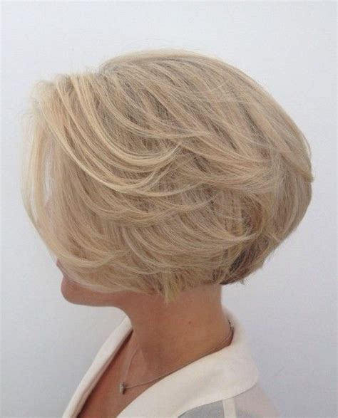 feathered wedge haircut 35 best glamorous 70s feathered hair style looks