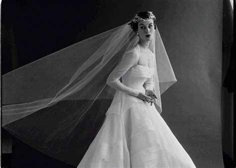Histroy And Styles Of Wedding Dresses by History Of The Wedding Dress And What It Symbolizes