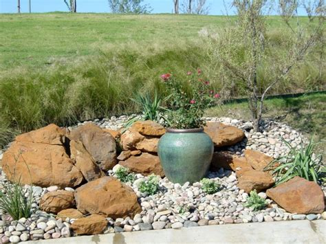 Gardening Rocks 18 Simple Small Rock Garden Designs