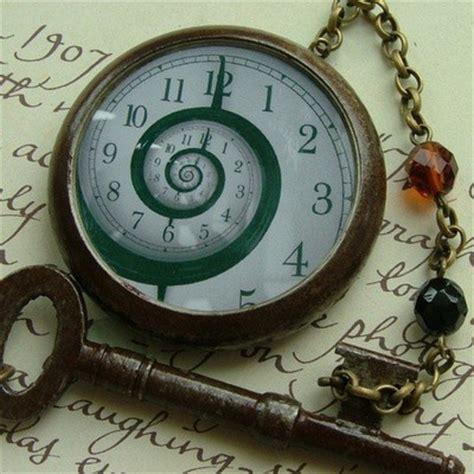 spiral clock face cool stuff pinterest spiral pocket watch crazy cool watching the time