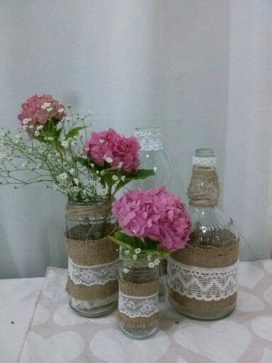 floreros con frascos floreros arpillera frascos ideas para cumplea 241 os
