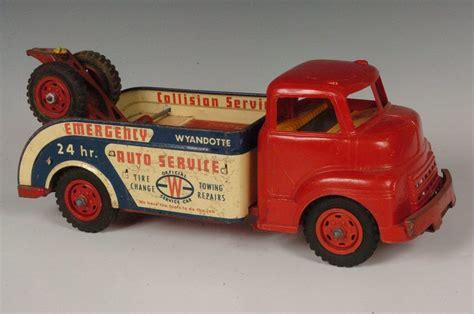 wyandotte auto service tow truck circa  jun   soulis auctions  mo  towing