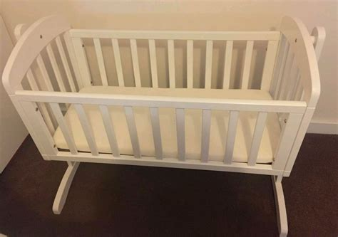 White Swinging Crib With Mattress by White Mamas And Papas Swinging Crib With Mattress Ebay