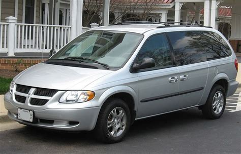 file dodge grand caravan sxt jpg wikimedia commons file 2001 2004 dodge grand caravan jpg wikimedia commons
