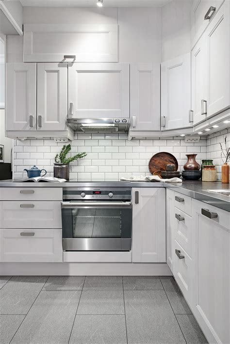 cocinas en blanco y gris un apartamento en gris y blanco bohochicstylebohochicstyle