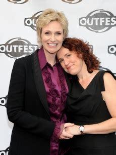 Kaos Glee emmy 214 d 252 llerine lezbiyen sunucu kaos gl haber portal