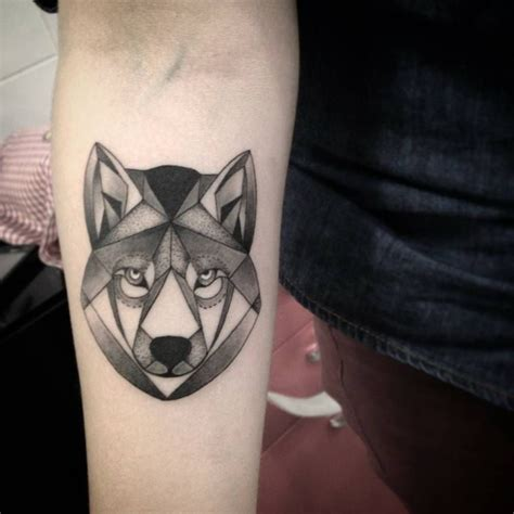 forearm of a polygon wolf by saruzi