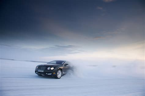 bentley snow wallpaper bentley continental gt bentley continental